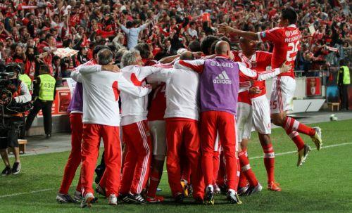 Celebrando 2º golo do Benfica v Sporting